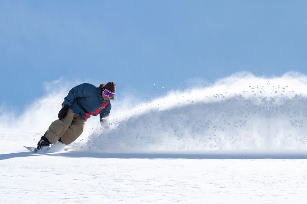 bogus mountain snowboarder